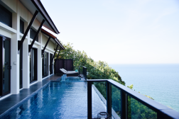 Private Infinity Pool